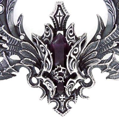 羽根を広げたシルエットが美しいネックレス